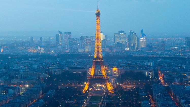 Detienen a tres periodistas de Al Jazeera por volar dron en París