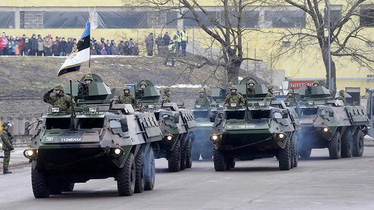 Provocativo desfile de la OTAN a 300 metros de la frontera rusa