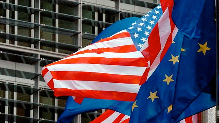 """Político checo: """"La UE, dirigida por EE.UU., conduce el mundo a una catástrofe"""""""