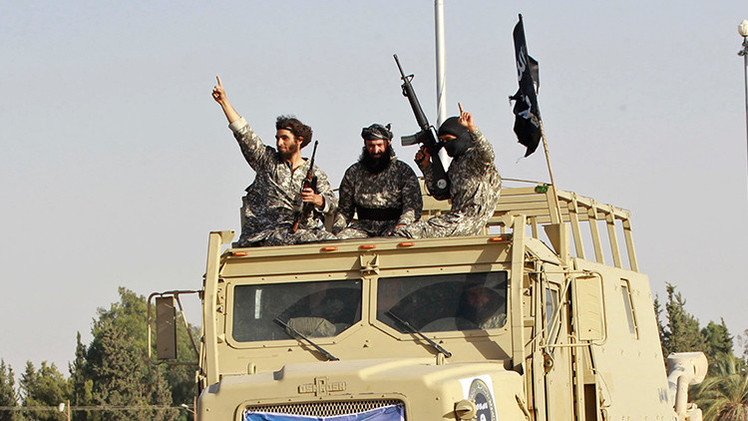 Video capta el horror de iraquíes ante la llegada de un convoy del Estado Islámico