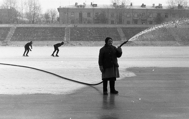 Haciendo hielo en el estadio 'Metallurg', Novokuznetsk, 1984
