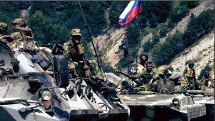 """Furia"" en Washington por las fotos falsas de tanques rusos en Ucrania que aportó Kiev"