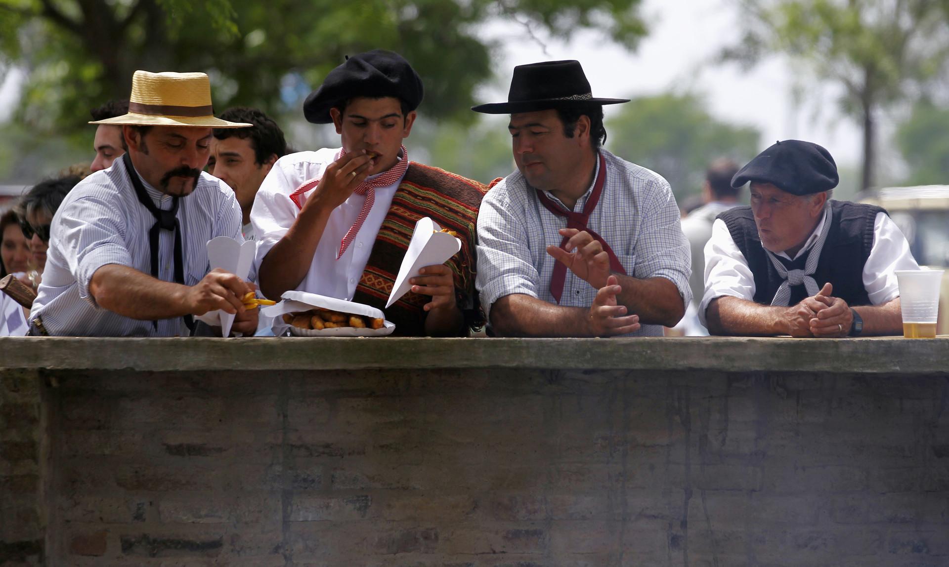 Almuerzo de gauchos argentinos