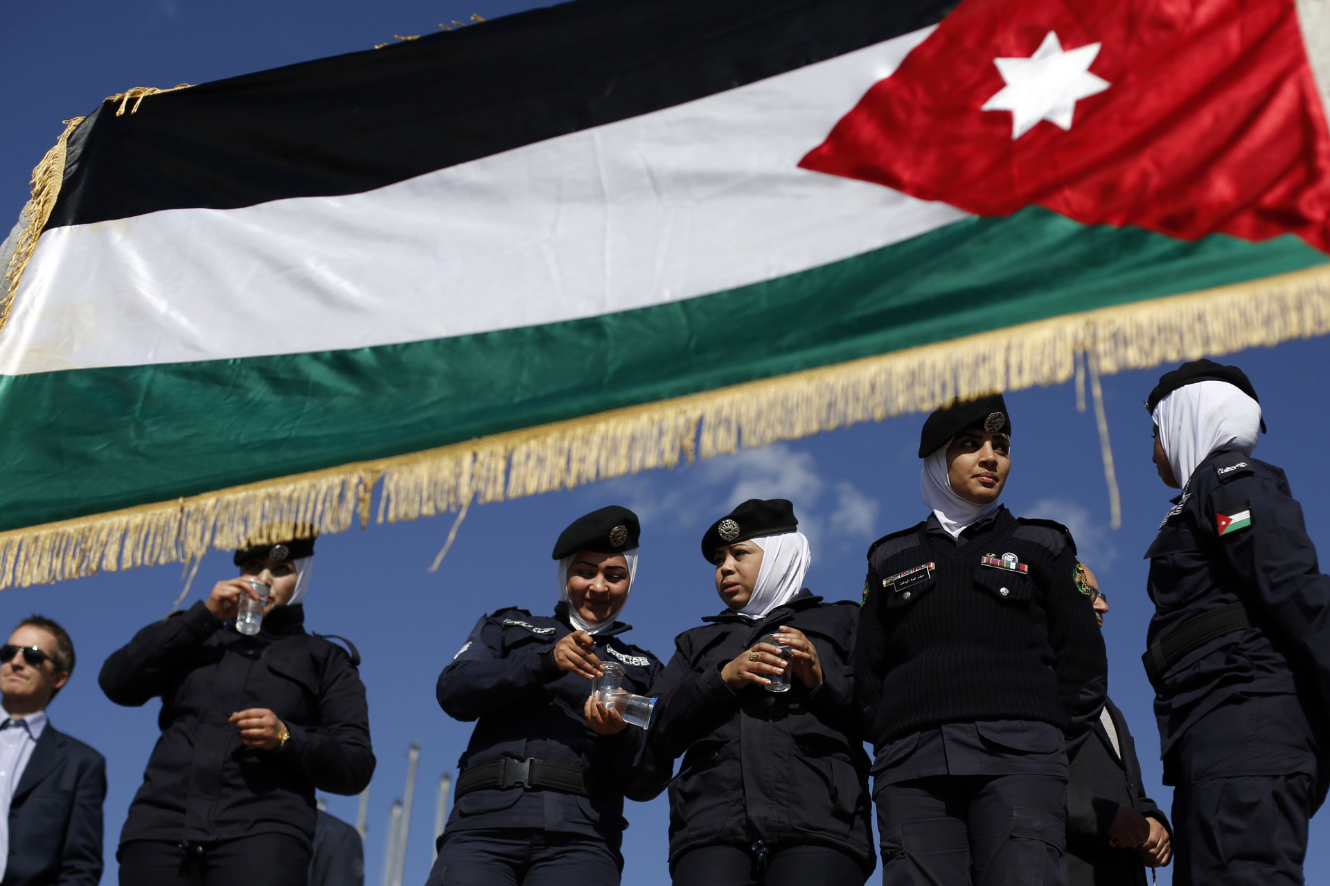 La policía jordana en la manifestación de apoyo al rey del país
