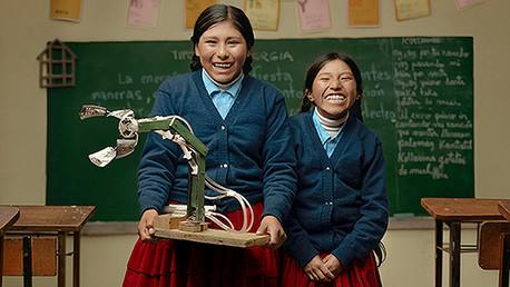 Esmeralda Quispe y Eirika Mamani