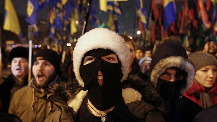 """Periodista: """"Los líderes occidentales callan sobre la resurrección del fascismo en Europa"""""""