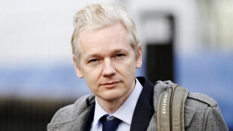 "Assange: ""Hillary Clinton es muy agresiva"""