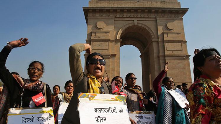 """""""Mantenerse en silencio y permitirlo"""": escalofriante entrevista a un violador indio"""
