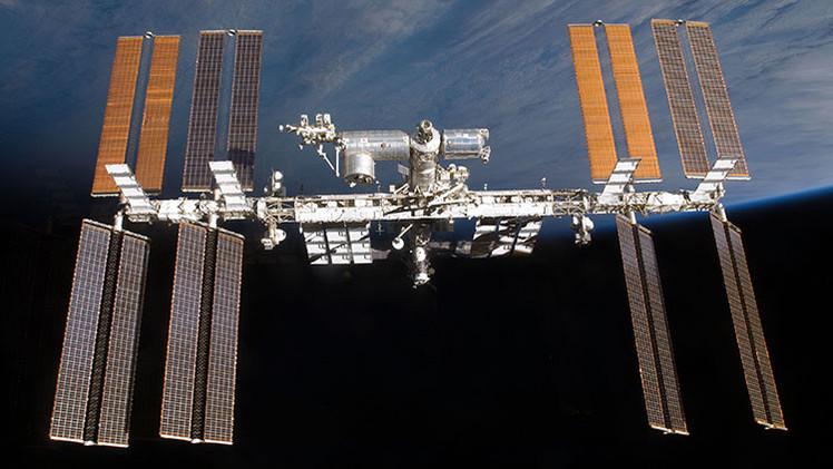 Fotos: Un astronauta realiza 'selfies' espaciales y revela la magnitud de la EEI