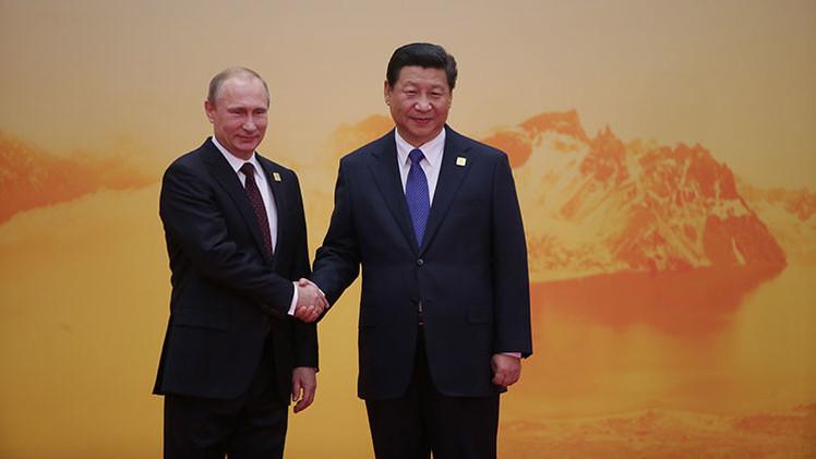 """""""Rusia y China, juntas contra el mundo unipolar"""""""