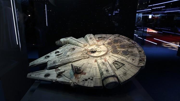 Publican fotos secretas de la construcción de la nave de Star Wars en 1979