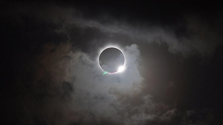 Eclipse total visto como nunca: una GoPro a 50 km de altura grabará el espectáculo astronómico