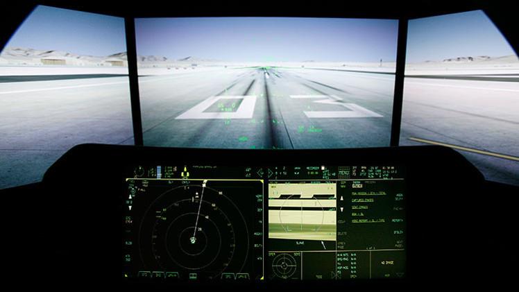 Una tetrapléjica controla un caza F-35 con la mente