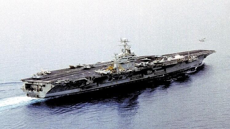 Un submarino francés hunde un poderoso portaviones de EE.UU. en unas maniobras