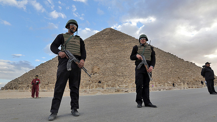 """Un clérigo kuwaití propone destruir las pirámides """"idolátricas"""" de Egipto"""