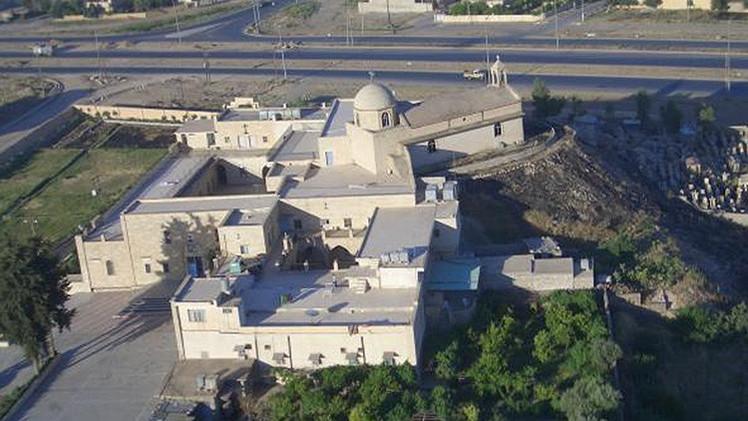 Estado Islámico demuele una iglesia católica asiria del siglo X cerca de Mosul