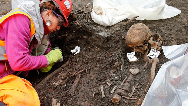 Arqueólogos excavan 3.000 esqueletos en pleno centro de Londres