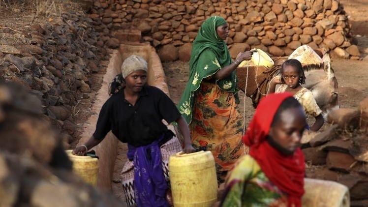 El agua sucia mata a más mujeres que el sida y el cáncer