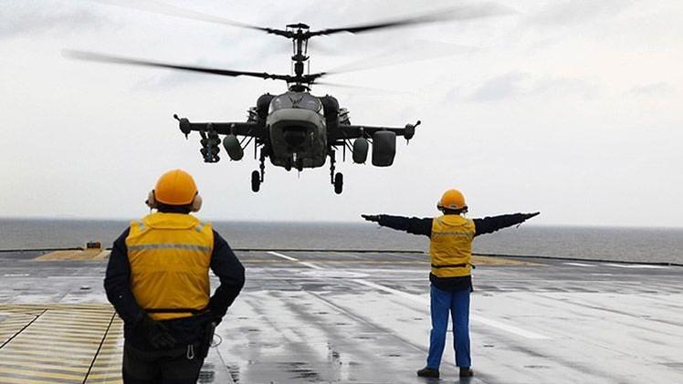 Debuta la versión naval del helicóptero de ataque ruso Ka-52K, creado para buques Mistral