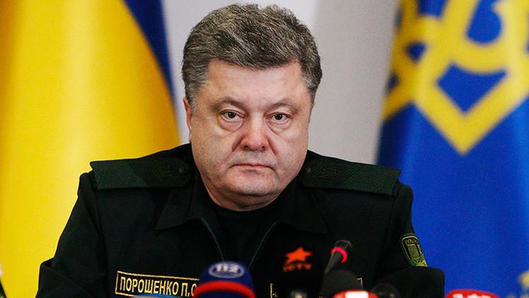 Poroshenko: El alto al fuego en Donbass no significa que Ucrania no abra fuego