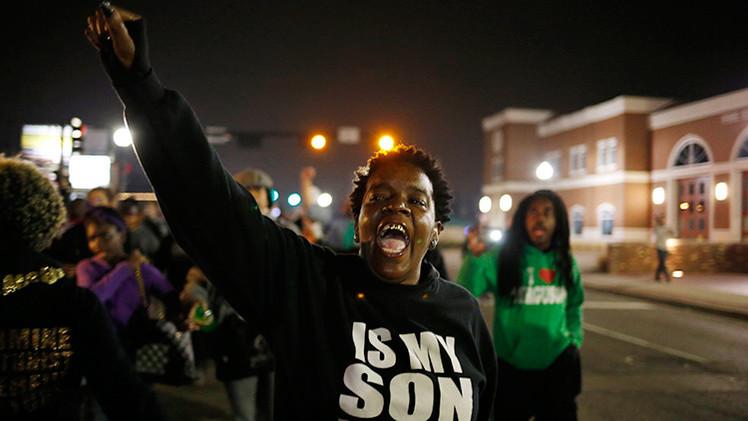 Fotos: Aumentan las tensiones en Ferguson tras tiroteo contra policías