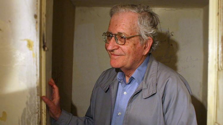 """Chomsky: """"América Latina va hacia la liberación del dominio imperial"""""""