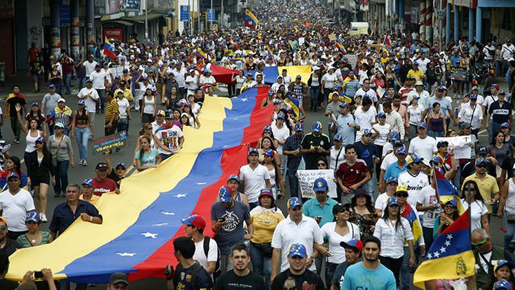 """Maduro: """"Si aquí gobernara Rajoy ya hubiera echado a la gente de sus casas"""""""