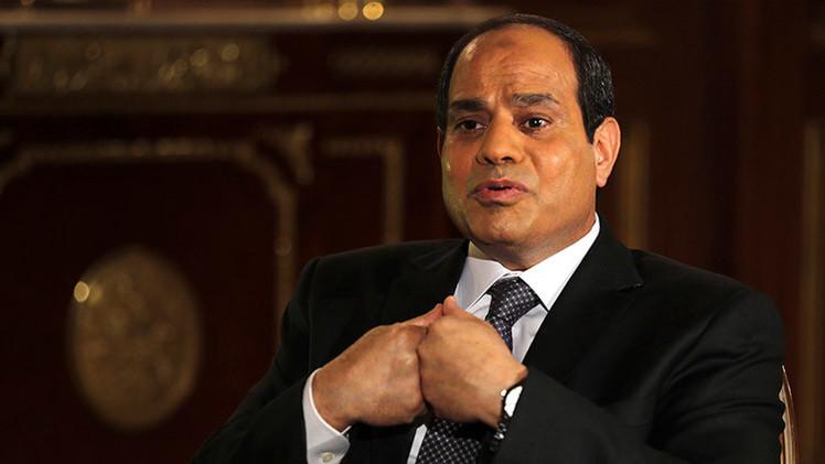 El presidente de Egipto admite que su país se halla en riesgo de desintegración