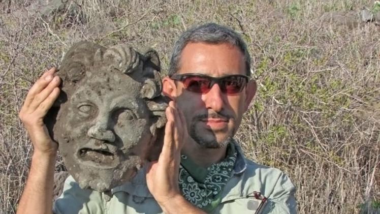 Hallan en Israel una máscara 'extremadamente rara' de un Dios de 2.000 años
