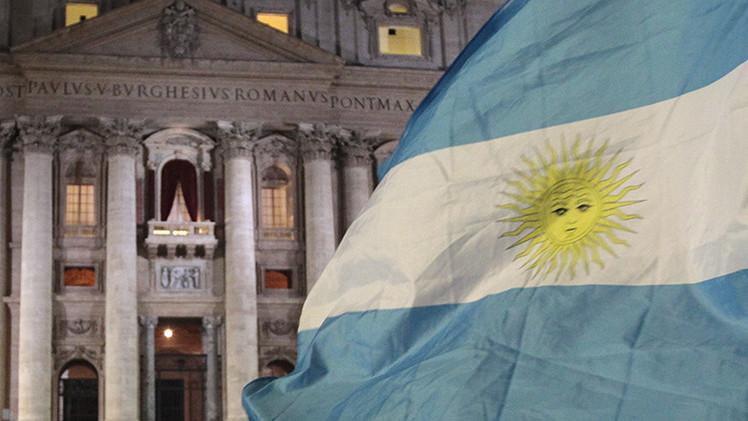 """Chomsky: """"La postura de Argentina en la batalla contra los fondos buitre es correcta"""""""