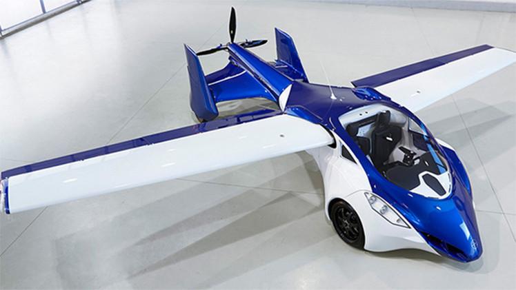 ¿Adiós a los atascos?: Un coche volador trasladará el tráfico a los cielos en 2017
