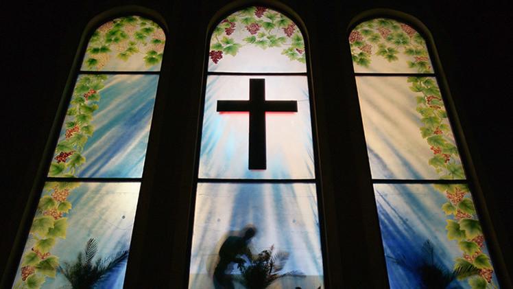 Infografía: ¿Es menos religioso un país a medida que se vuelve más rico?