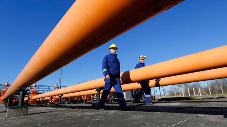 Gazprom: Pago anticipado por el suministro de gas realizado por Ucrania alcanzará para una semana