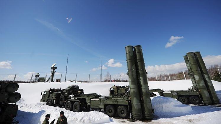 Cómo el sistema ruso S-400 jubila el programa de cazas estadounidenses F-35