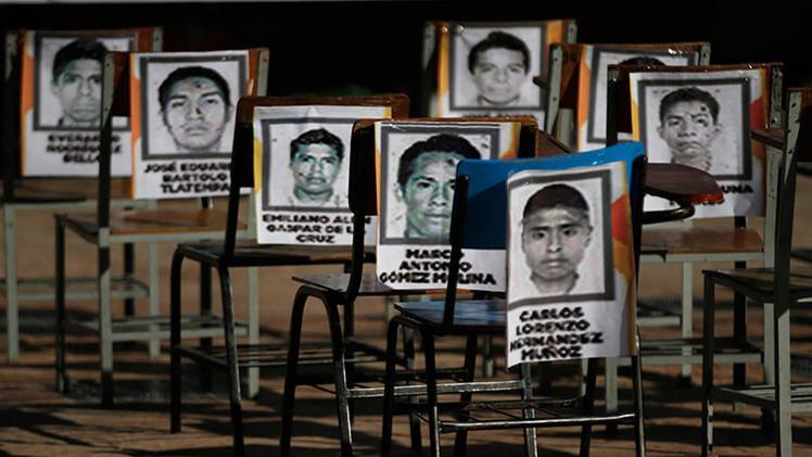 Padres de los 43 alumnos mexicanos desaparecidos protestan en EE.UU. y quieren dirigirse a la ONU