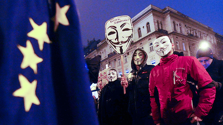 """""""Si Bruselas sigue interfiriendo en Hungría, el país podría abandonar la Unión Europea"""""""