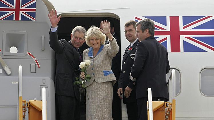 Remaches en oro y cama doble: сonozca el lujoso avión donde viaja Carlos de Inglaterra