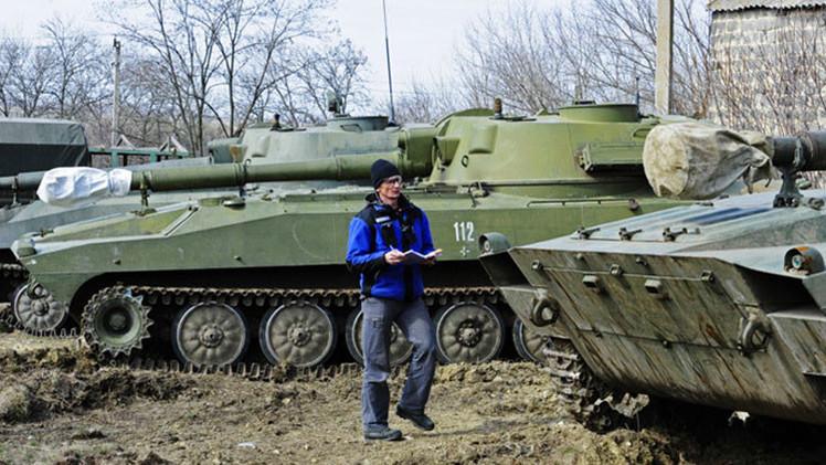 Esposan y ponen un saco en la cabeza a un inspector de la OSCE en Ucrania