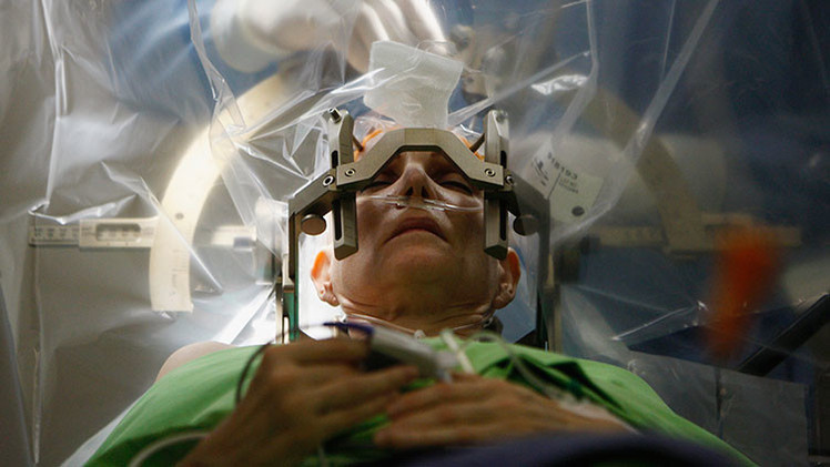 Pentágono pretende desarrollar 'discos duros' para implantarlos en el cerebro