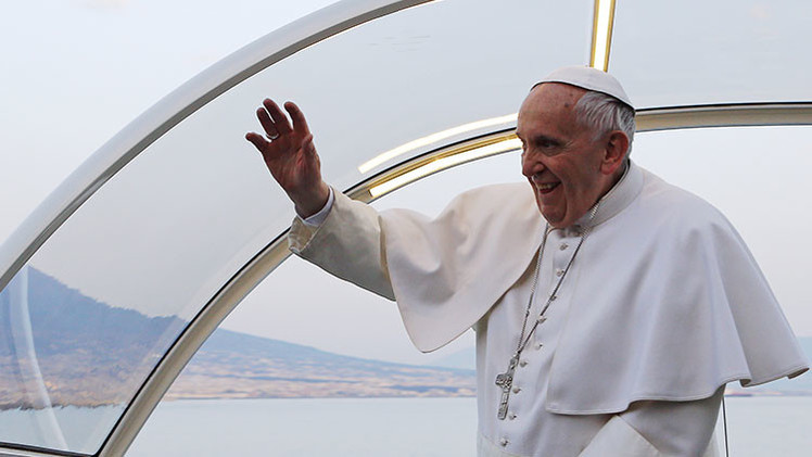 """Papa Francisco considera la teoría de género como un """"error de la mente humana"""""""