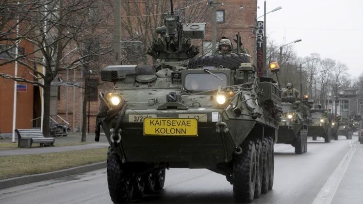 Videos: Las tropas blindadas de EE.UU. desfilan por países de Europa Central