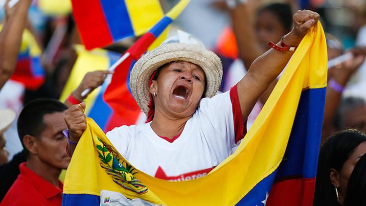 Recolectan en Venezuela más de un millón de firmas en rechazo del decreto de Obama