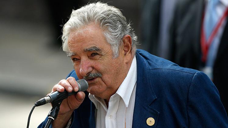 Fotos: Mujica participa en una marcha en apoyo al Gobierno de Venezuela