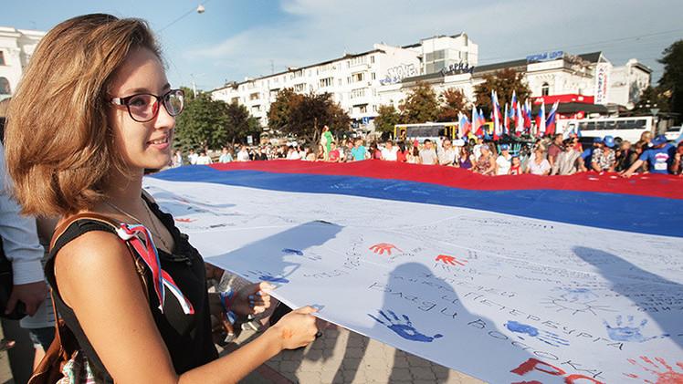 """""""Las exigencias de devolver Crimea a Ucrania son una violación de los derechos de su población"""""""