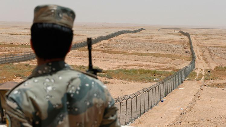 Arabia Saudita desplaza armamento pesado a la frontera con Yemen