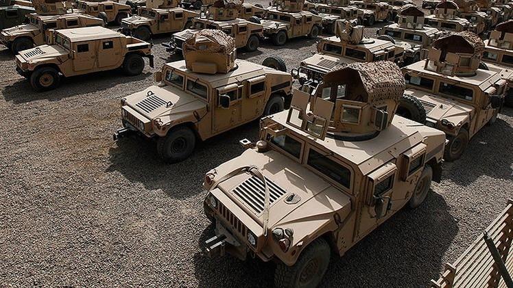 Los primeros vehículos militares Humvee de EE.UU. llegan a Ucrania