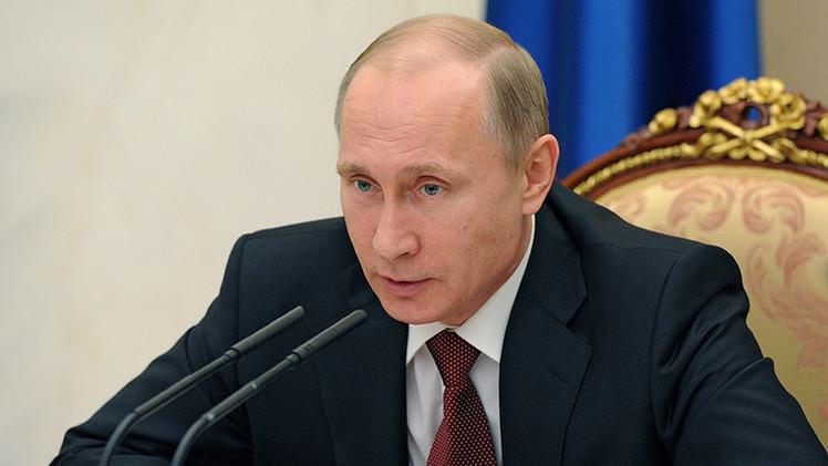"""Kremlin a Donald Trump: """"Putin no recurre a la retórica nuclear"""""""