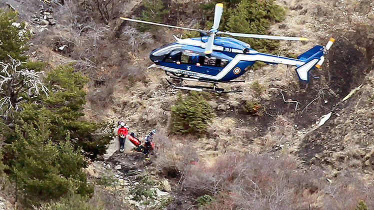 Los pilotos del avión siniestrado en Francia pudieron haber estado inconscientes antes del impacto