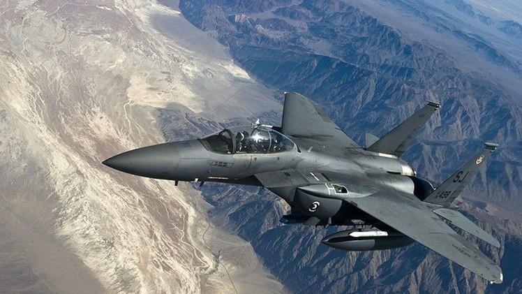 EE.UU. despliega cazabombarderos pesados en Europa