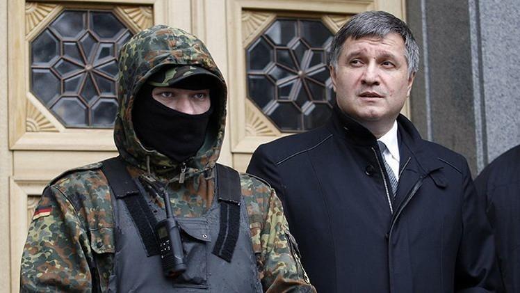 Ministro del Interior ucraniano lamenta no haber asesinado a manifestantes en Donetsk